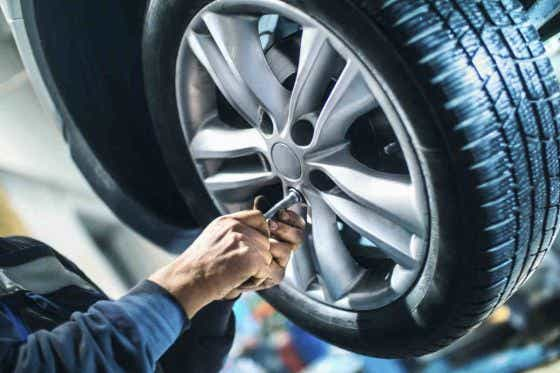 what is the minimum legal tyre depth