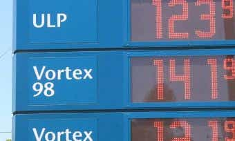 Why-aren't-petrol-prices-falling-as-much-as-oil