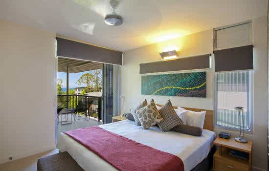 Noosa Heads, QLD – Luxury Apartment with Ocean Views