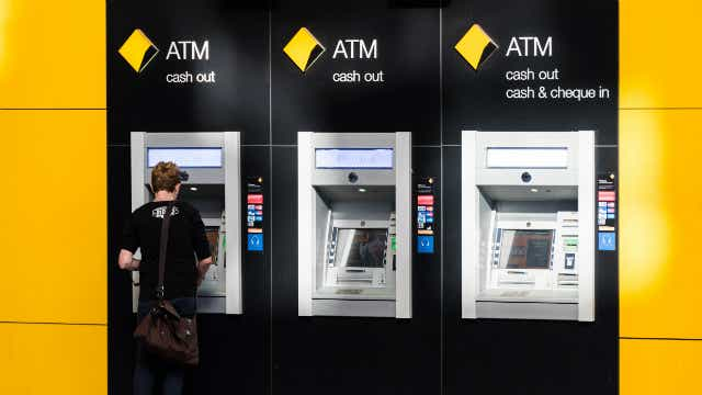 Commbank and other majors remove ATM fees