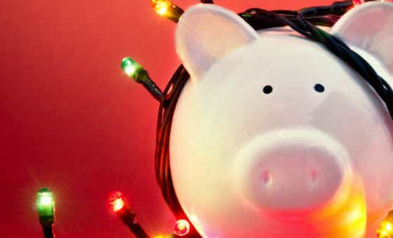 6 ways to save money for Christmas