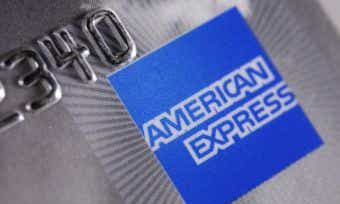 American Express cuts low rate card