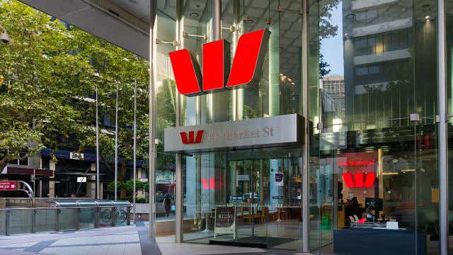 Westpac moves on fixed rates