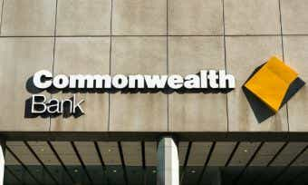 Commonwealth Bank adds Apple Pay, Westpac could follow