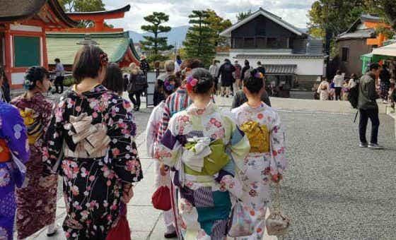 6-tips-help-keep-budget-holidaying-japan
