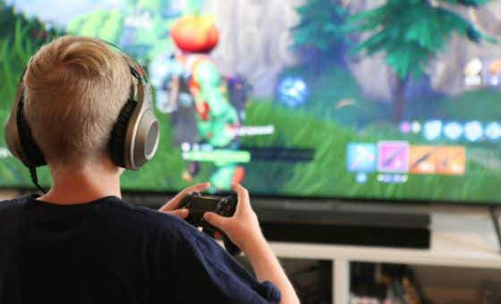 fortnite-frenzy-expert-warns-parents-about-the-traps-of-in-app-purchases