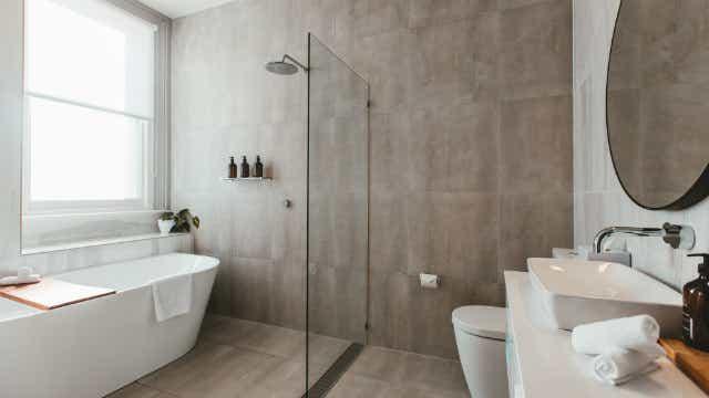 Maylands Lodge bathroom.