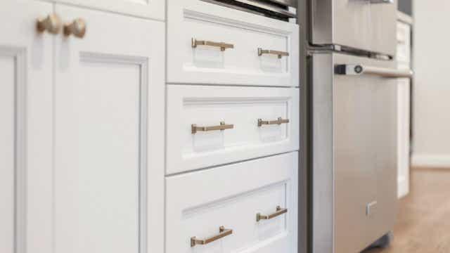 Cabinet door knobs