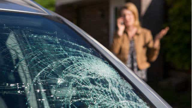 car windscreen crack