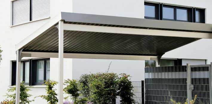 Free standing residential car port