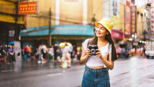 Female solo tourist