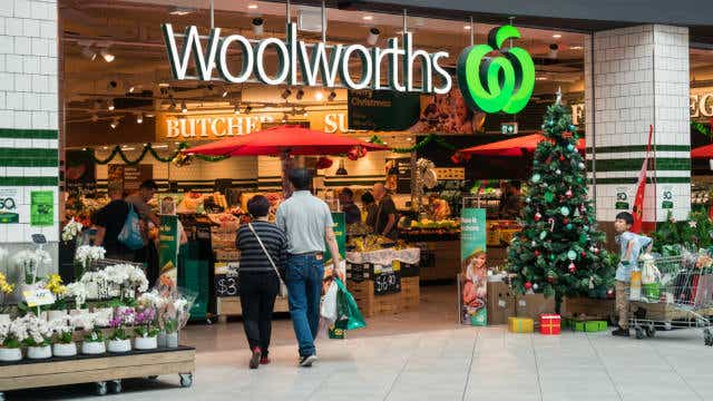 Woolworths wages unpaid Oct 19_article