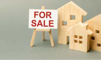Selling property: real estate commission and fees explained