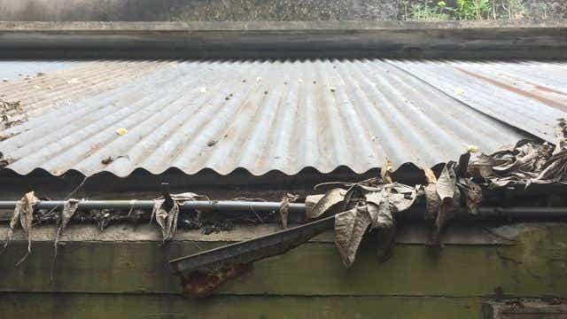 Broken gutter that needs replacing