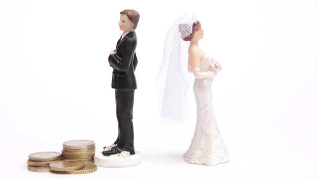 Wedding toppers divorce money prenup