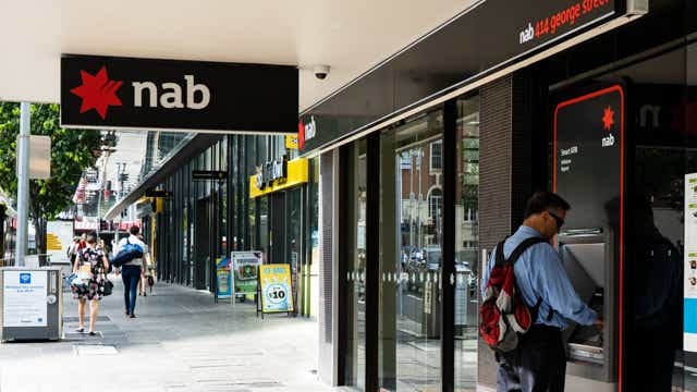 NAB cuts credit card rate 27.04.20