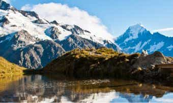 Can I buy travel insurance for a New Zealand holiday?
