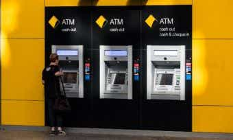Commonwealth Bank outage blocking customers' access to cards, app and internet banking