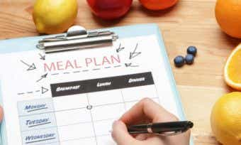 8 tips for meal planning on a budget