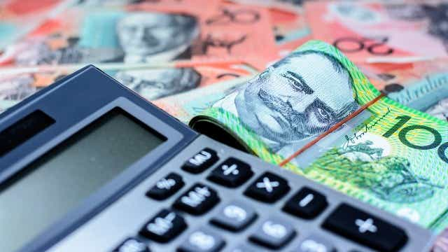 Calculator money budgeting