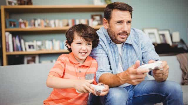 dad son video games