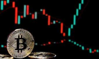 How to navigate price volatility in cryptocurrency