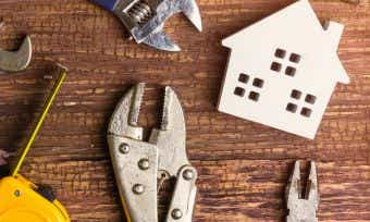 How much does it cost to knock down and rebuild a house?