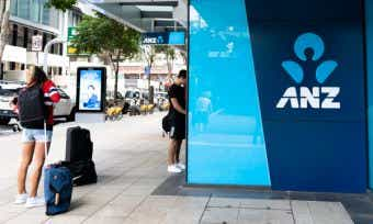 ANZ suffers banking outage and cuts savings interest rates to new low